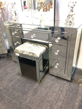 Mirrored 7 Draw Dressing Table with Crystal Handles and Mirrored Stool