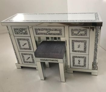 * Diamond Crush Mirrored Pillar 7 Draw Dressing Table with stool
