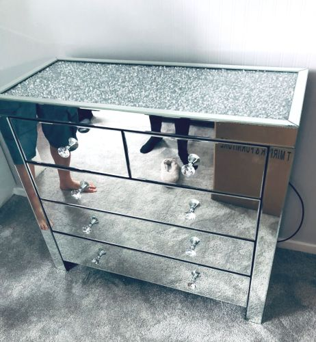 * Monica Diamond Crush Mirrored Silver 5 Draw Large Chest with a Diamond cr