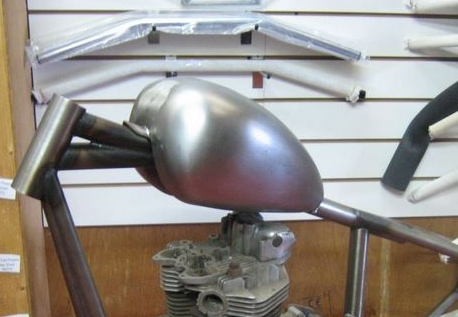 WASSEL ( MID ) tunnel type style petrol tank... for Harley Chopper Bobber C