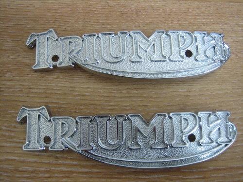 Triumph Badges 1pr