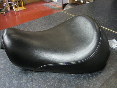 Sportster Solo Seat 'Le Pera' silhouette Fits 04-06, 10-15 with 4.5gal Gas