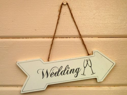 'Wedding' wooden arrow.