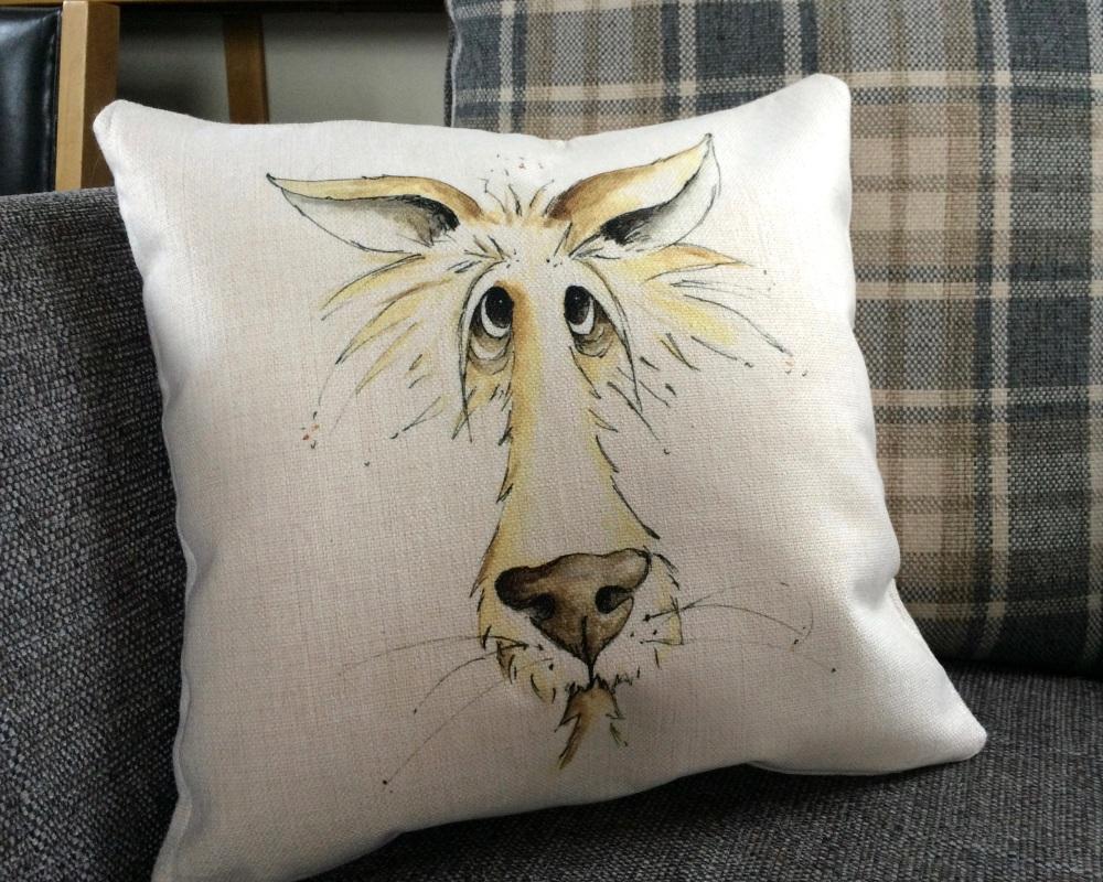 <!_013_> Wolf Cushion
