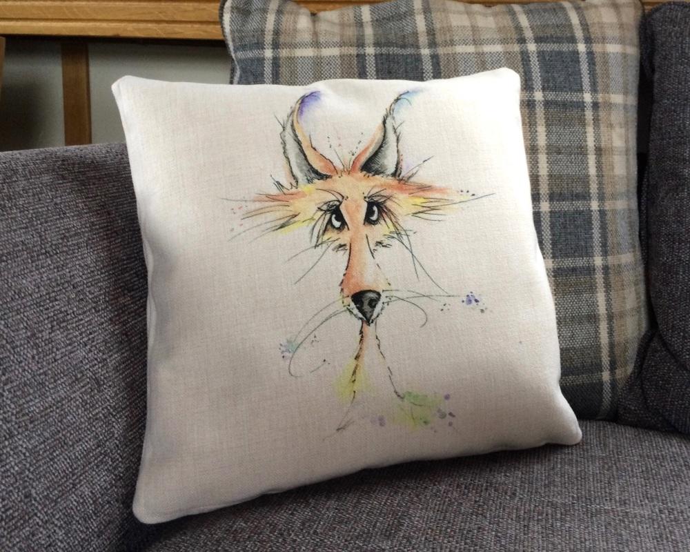 <!_014_> Fox Cushion