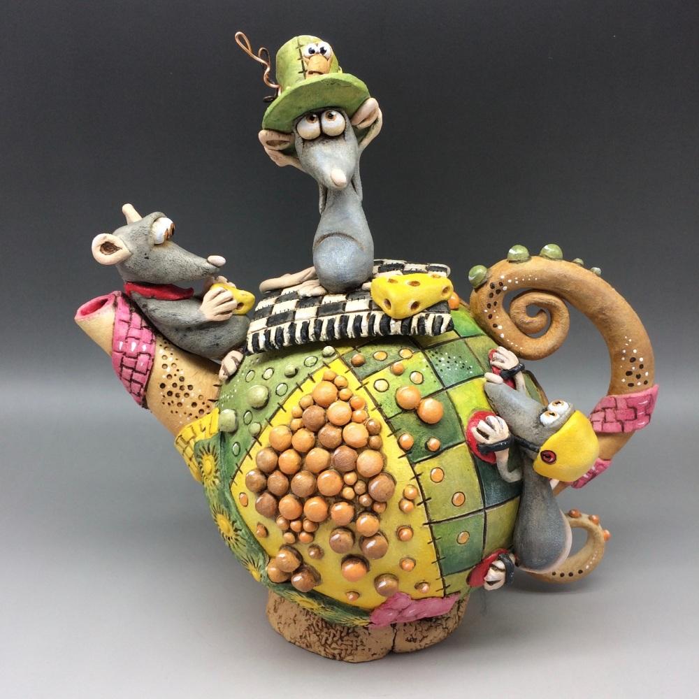 Mouse Family Teapot Ceramic
