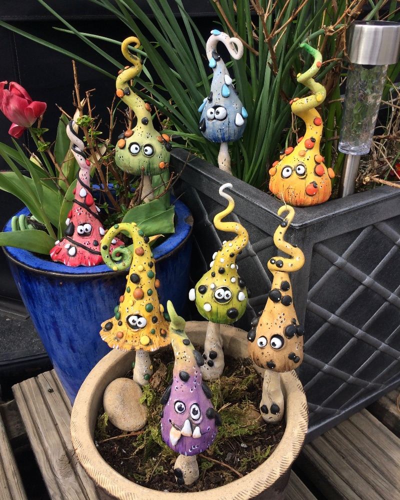 <!_002_>Sold Garden Decor