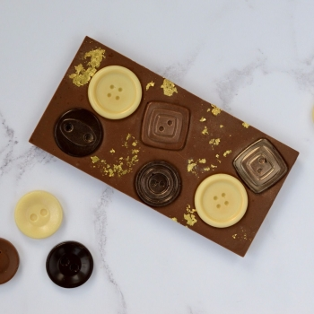Milk Chocolate Novelty Bar with Buttons