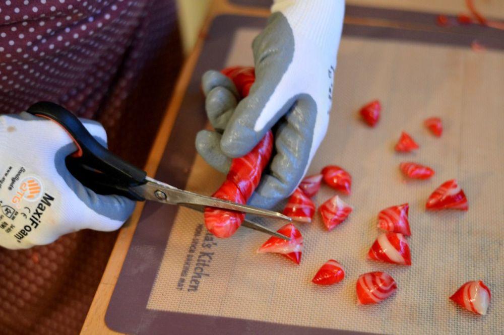 Candy cane recipe - cutting up