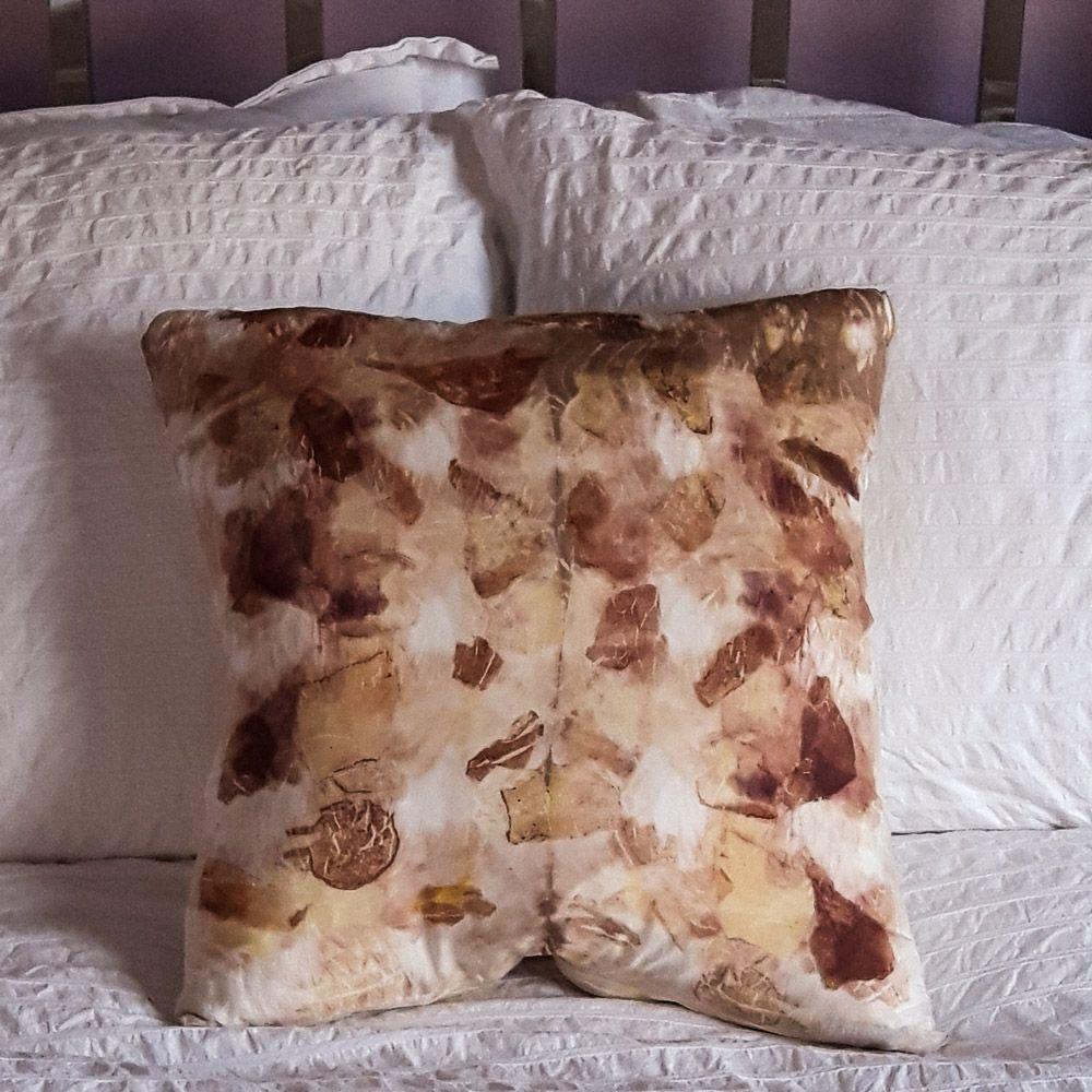 Red Onion print silk cushion 40cm x 40cm
