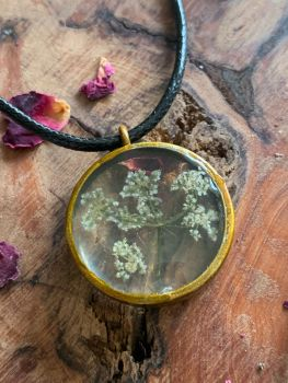 Large Queen Anne's Lace starburst bezel pendant on an 18 inch antique brass chain -  slight seconds