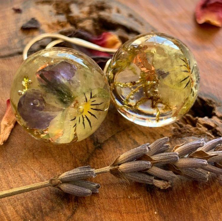Resin & Botanical Jewellery