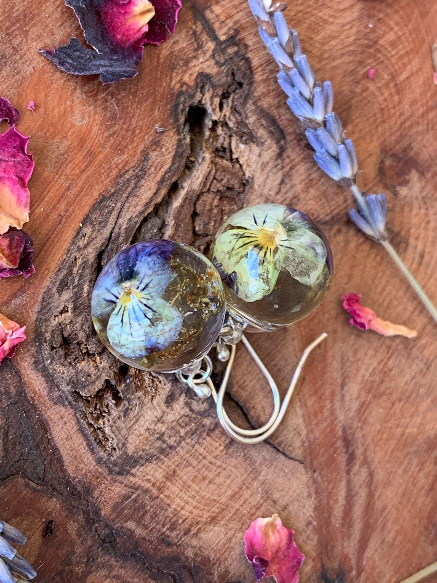Viola drop earrings
