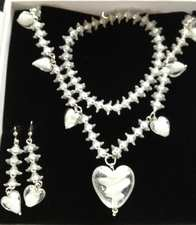 White Floral Heart Set