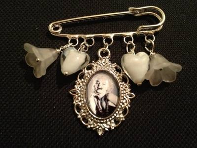 Marilyn Monroe Kilt Pin Brooch