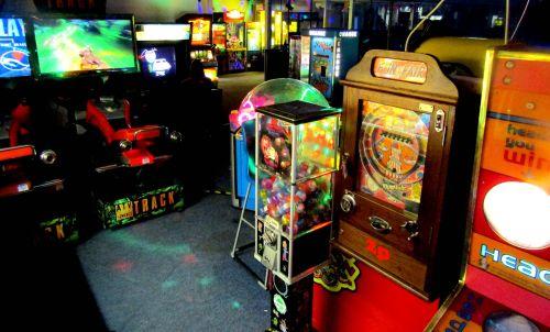 Retro Arcade Gamess 2021