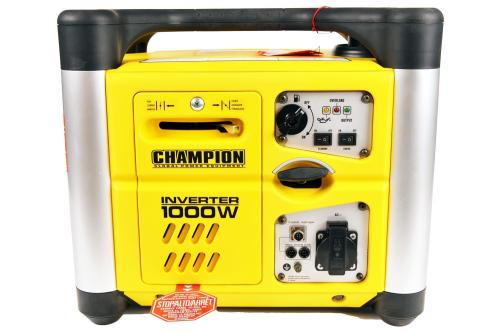Champion ( USA ) 1000w Inverter Generator, Very Lightweight & Extremely Qui