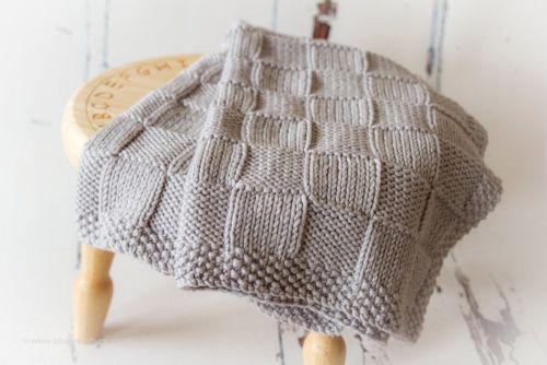 Chunky Checks Baby Blanket - Knitting Pattern