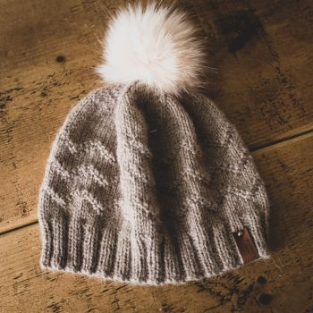 Waves Adult Hat Faux Fur Pom Pom - Wool/Alpaca - Beige