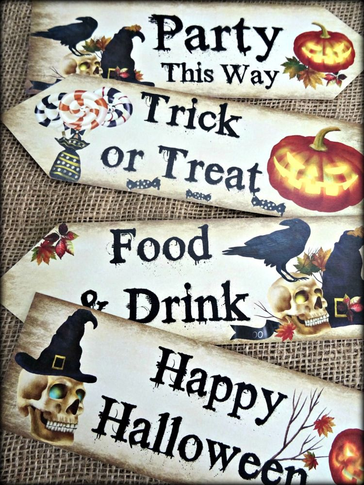 Set of 4 Halloween Large Party Decoration Arrow Signs