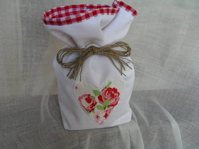 White Doorstop With Cath Kidston Ikea Rosali Heart & Lined With Red Gingham