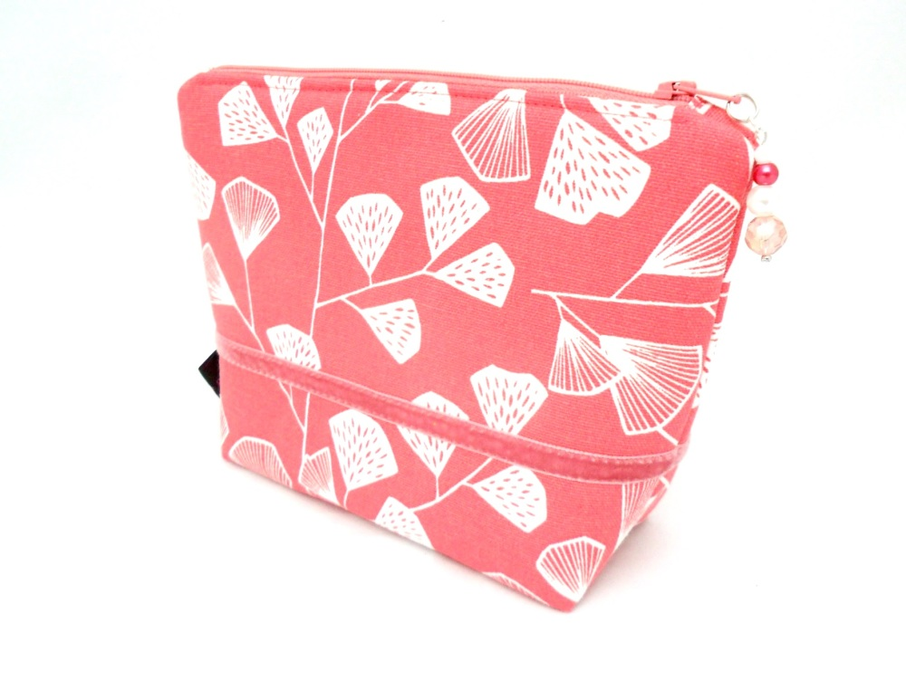 Makeup bag in coral pink