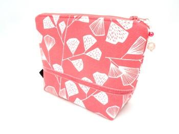 Makeup bag in coral pink