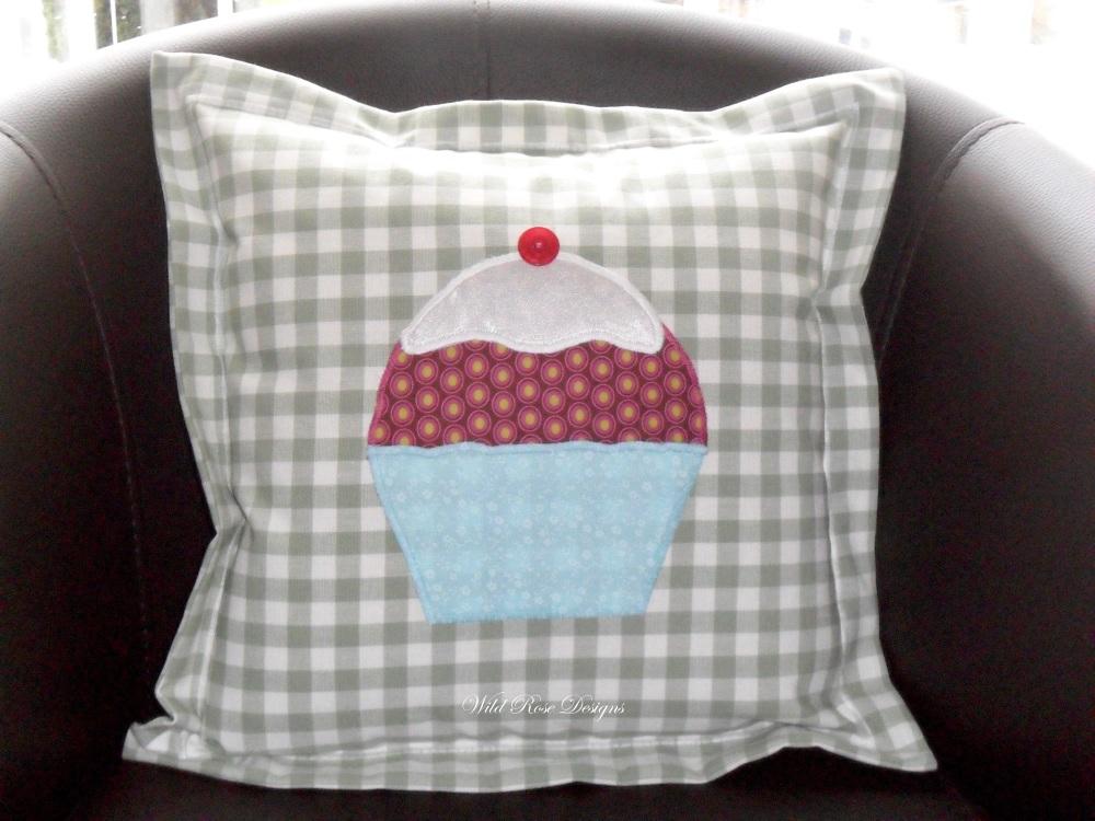 Cupcake cushion
