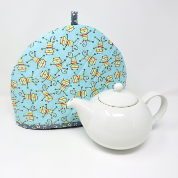 Quilted, cat tea cosy