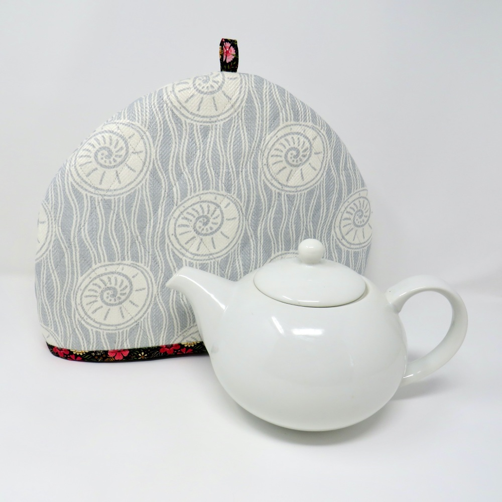 Quilted tea cosy