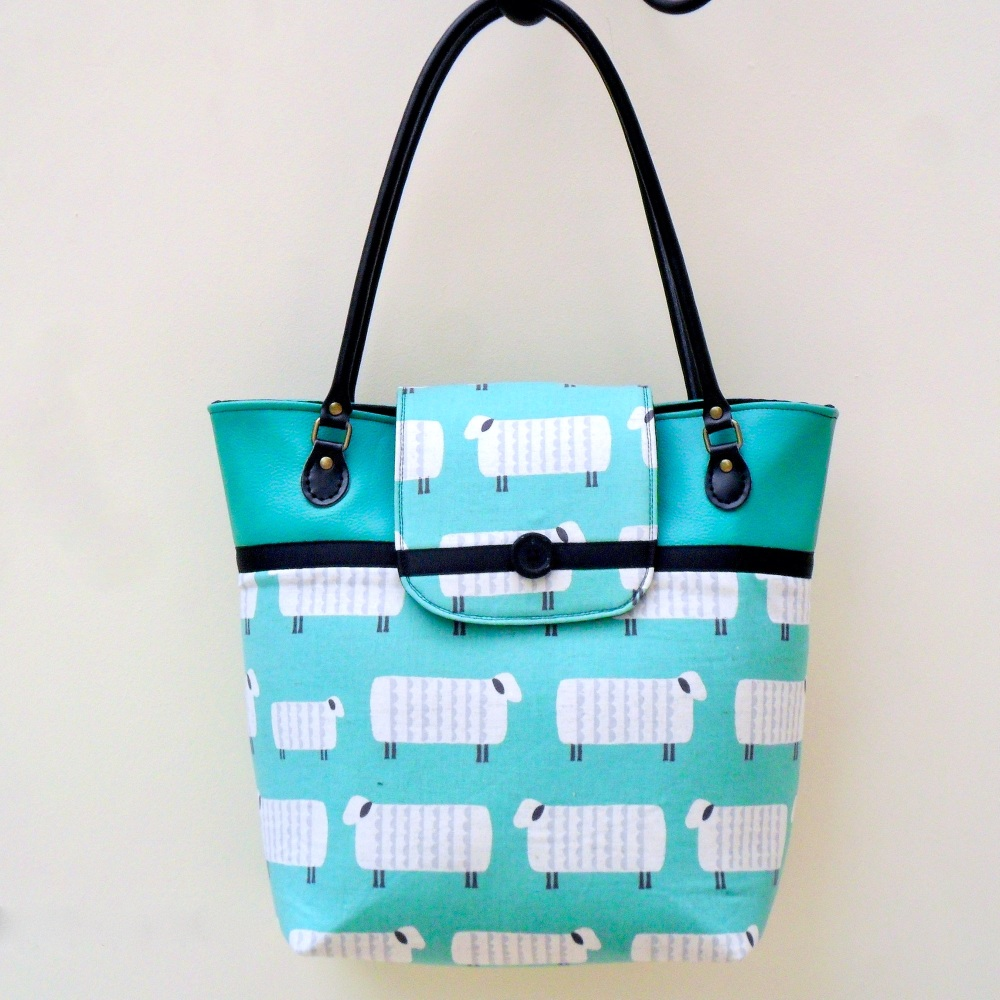 Handmade tote bag in green