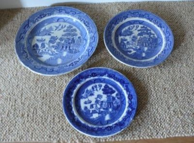 Set of three different Victorian Blue and white Willow Pattern plates