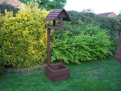 PLANTER/BIRD TABLE