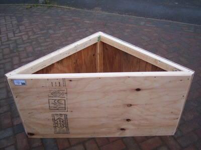 Triangle Hay Box