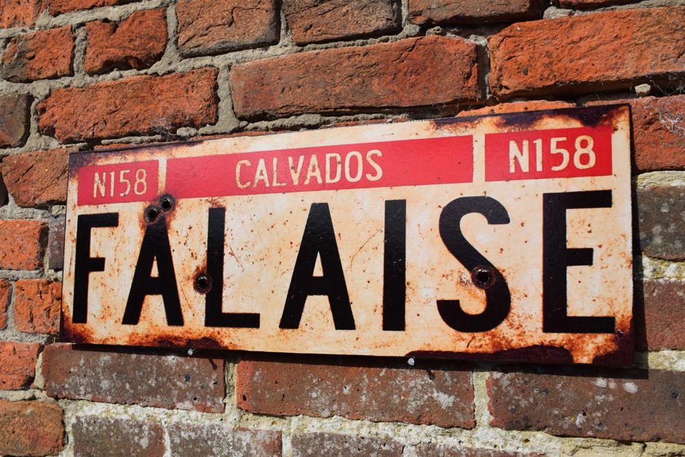 Falaise Display Sign
