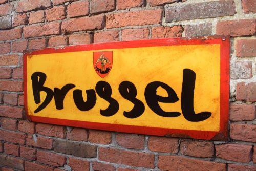 Brussel Vintage City Sign