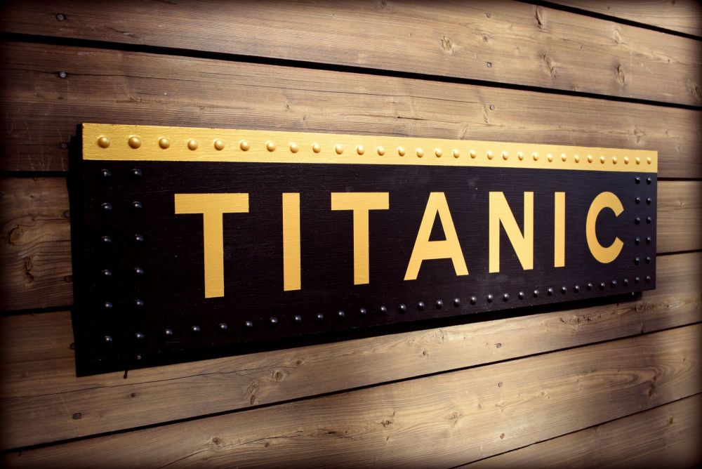 Titanic Sign Wood (5)