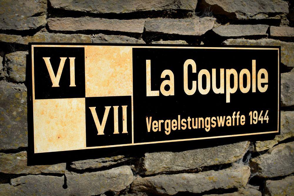 La Capoule display signs (4)