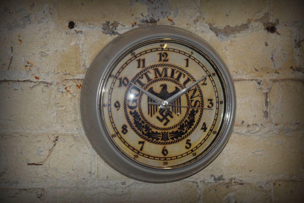 Clock-Got Mit Uns (4)