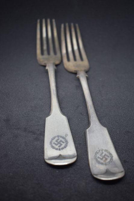 Swastika Forksx2 (1)