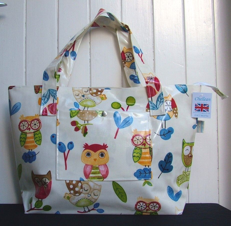 Ollie Owl Large Oilcloth Zipped Bag