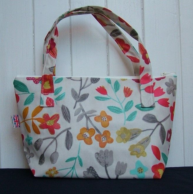 Cottage Floral Small Zipped Oilcloth Bag