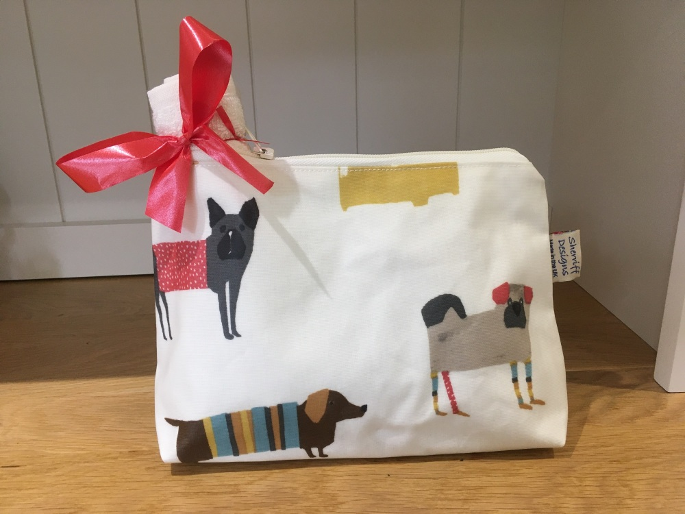 Dogs Oilcloth Wash Bag