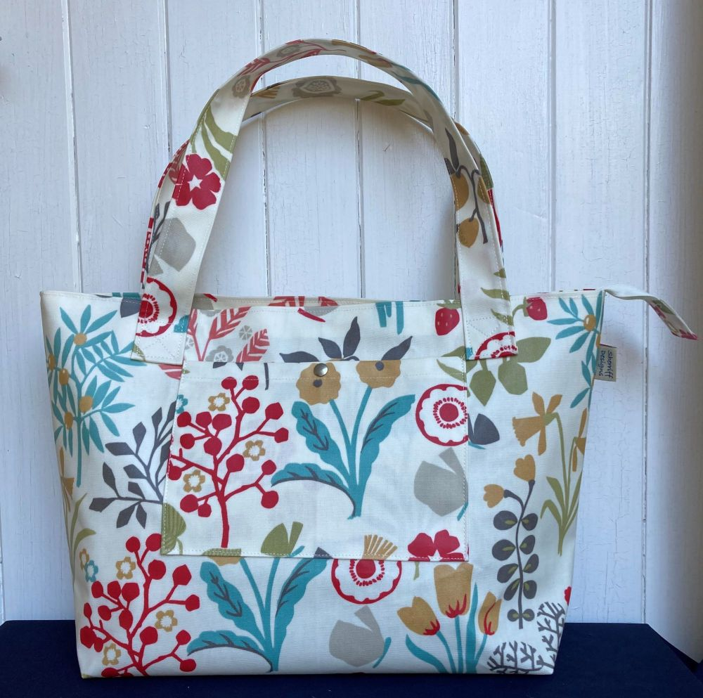Floral Chic Large Oilcloth Zipped Bag