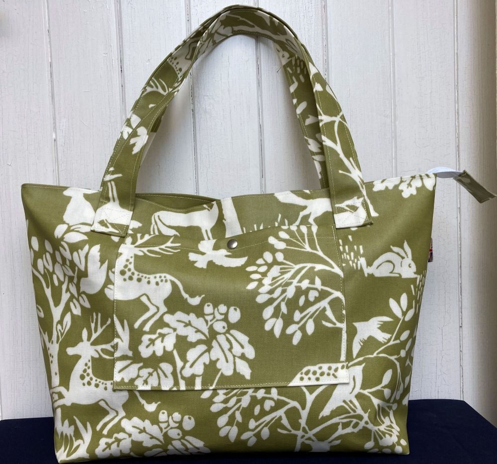 Country Wildlife  Large Oilcloth Zipped Bag