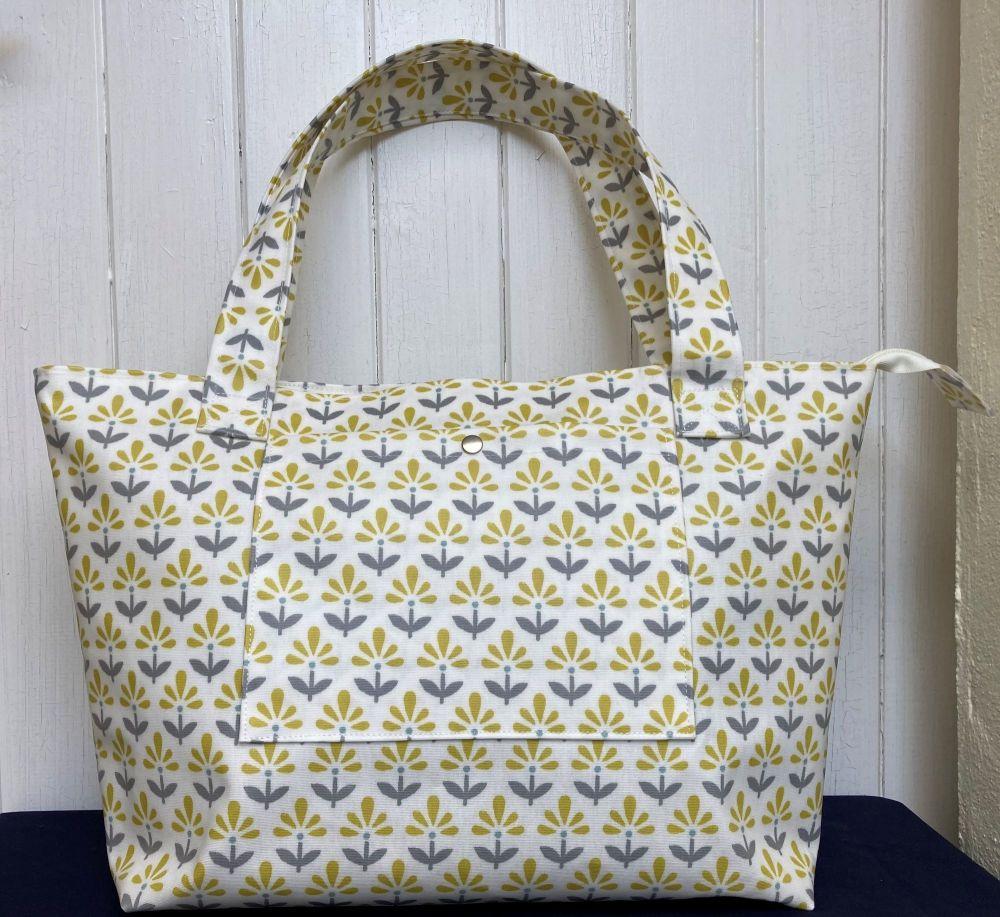 Fleur Large Oilcloth Zipped Bag