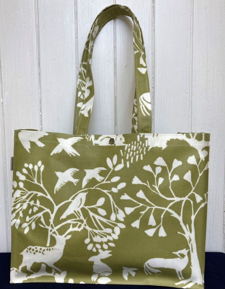 Country Wildlife Long Handle Oilcloth Gusset Bag