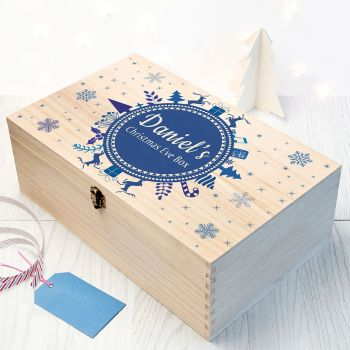 PERSONALISED CHRISTMAS EVE BOX WITH SNOWFLAKE WREATH - AVAILABLE IN OTHER COLOURS & SIZES