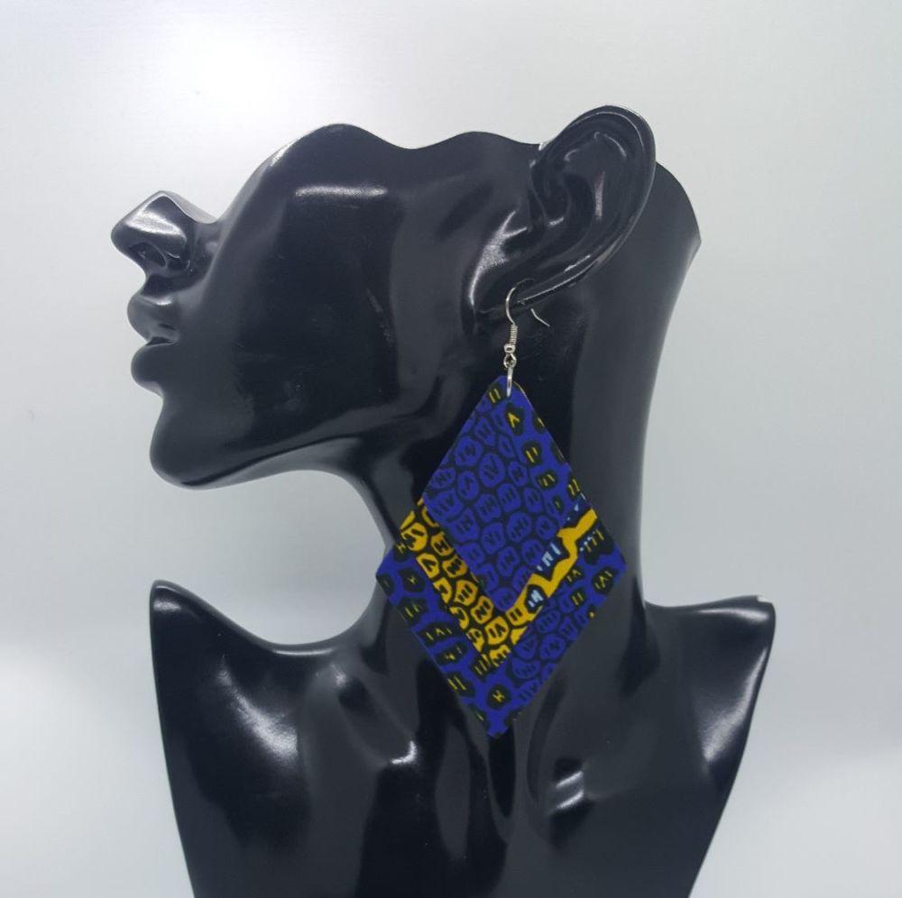 Triple Diamond Earrings/ Sza
