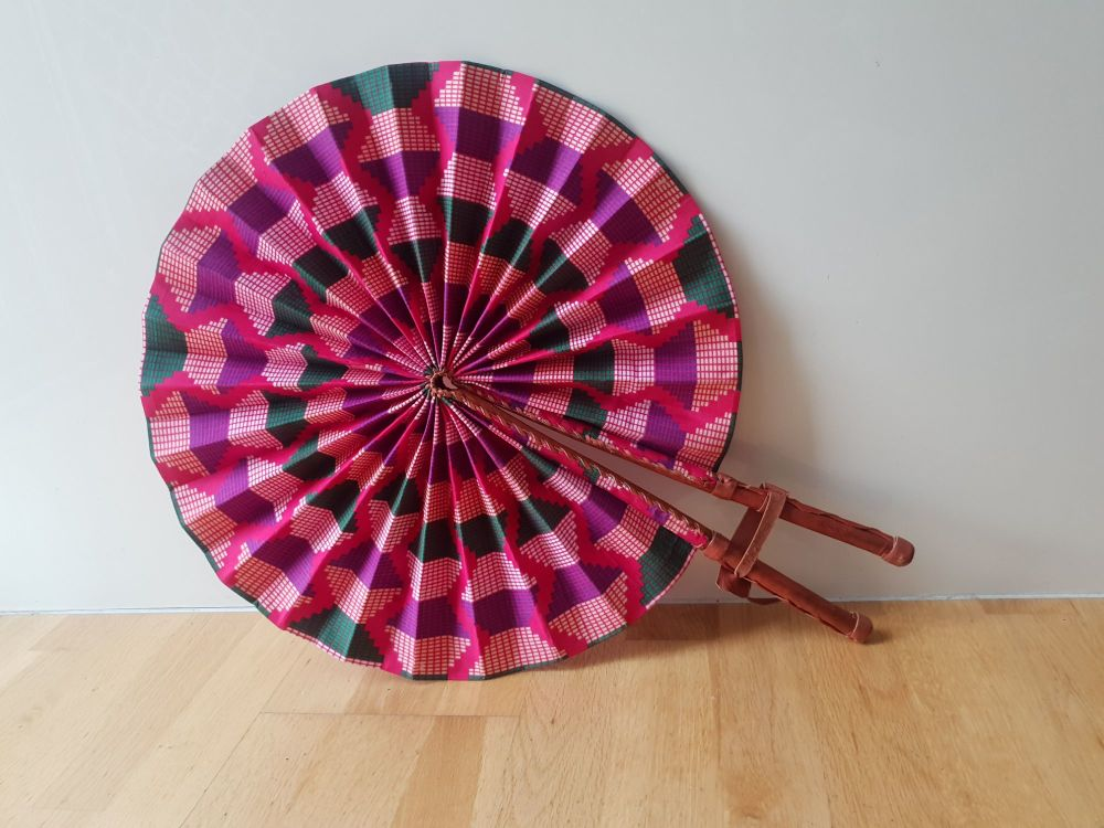 Supersize Africa Print Fan/Pink